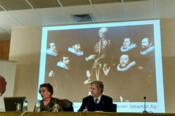 Conferencia de Dª. Gloria Martín: «La medicina en el Quijote»