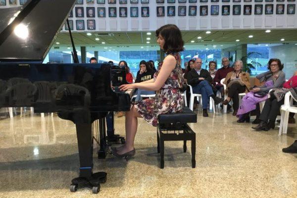 Concierto de piano por Evelyne Berezovsky